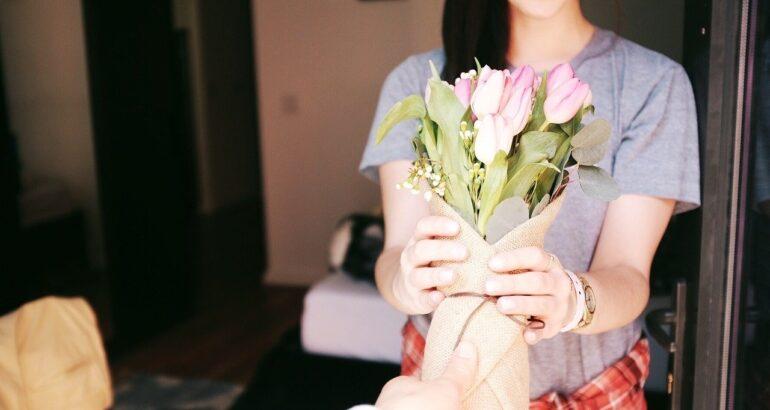 Ce poti face atunci cand nu stii ce cadou sa-i oferi iubitei?